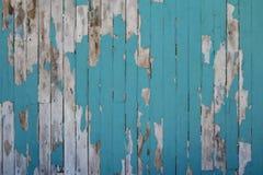 Gamla wood plankor texturerar bakgrund med målade grungy blått Royaltyfri Bild