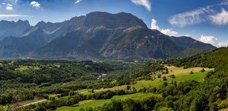 Gamma con la montagna di Faraut, alpi, Francia del massiccio di Devoluy Fotografie Stock Libere da Diritti