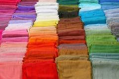 Gamma di colori delle sciarpe Fotografia Stock
