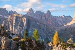 Gamma dopo il tramonto, alpi di Tofana della dolomia Immagine Stock Libera da Diritti