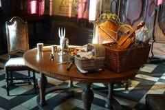 Gammal äta middag tabell Royaltyfri Bild