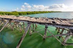 Gammal övergiven bro Arkivfoto