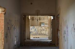Gammal övergiven byggnad Arkivbilder