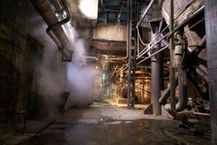 gammal övergiven fabrik Arkivbilder