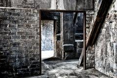 Gammal övergiven fabrik Royaltyfri Foto
