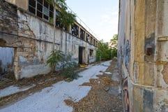 Gammal övergiven fabrik, Grekland Arkivbilder