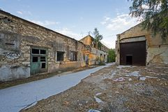 Gammal övergiven fabrik, Grekland Royaltyfri Foto