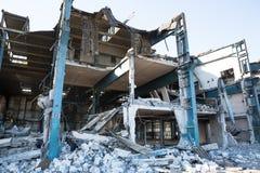 Gammal övergiven fabrik i Polen Royaltyfria Bilder