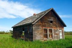 Gammal övergiven husslutsikt Arkivfoto