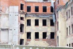 gammal övergiven lägenhet Royaltyfri Bild