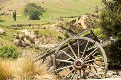 Gammal övergiven trähästvagn Arkivfoton