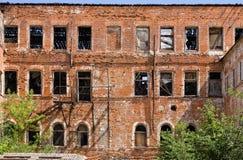 gammal abandonbyggnad Arkivfoton