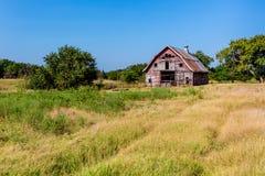 Gammal Abandonded ladugård i lantliga Oklahoma Royaltyfria Bilder