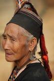 Gammal Akha kvinna, Phongsaly, Laos Royaltyfri Bild