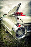 Gammal amerikansk bil i tappningstil Royaltyfri Fotografi
