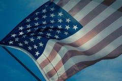 Gammal amerikanska flagganbakgrund för 4th Juli eller beroendedag, effekt vid tappningstil Royaltyfria Foton