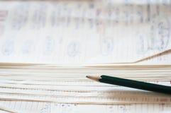 Gammal anteckningsbok och blyertspenna Royaltyfri Fotografi