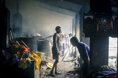 Gammal arvtvättinrättningDhobi ghat i Mumbai, Indien arkivfoton
