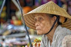Gammal asiatisk kvinna Royaltyfria Foton