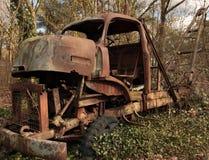 gammal bärgningsbil Arkivfoto