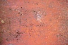 Gammal bakgrund för metallväggtextur med skrapor och sprickor arkivbild