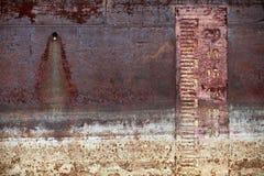 Gammal bakgrund för skeppskrovmetall Royaltyfria Bilder