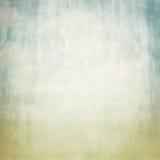 Gammal bakgrundstextur för brunt papper och sikt för blå himmel Royaltyfria Foton