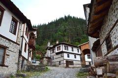 Gammal Balkans bygata royaltyfri fotografi