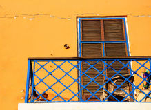 Gammal balkong Arkivfoton