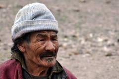 Gammal beduinman från Ladakh (Indien) Royaltyfri Fotografi