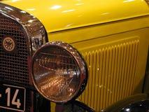 gammal bil royaltyfria bilder