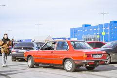 Gammal-bil BMW 5 serie e34 Royaltyfria Foton
