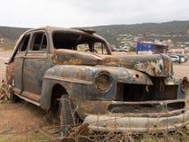 Gammal bil i Ensenada, Baja, Kalifornien, Mexico royaltyfria bilder