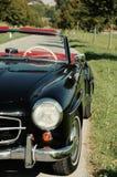 Gammal bil som är retro, sixties royaltyfria bilder