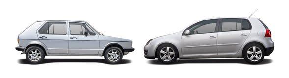 Gammal bil vs den nya bilen Fotografering för Bildbyråer