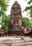 Gammal bild av buddha på den gamla templet Royaltyfria Foton