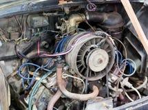 gammal bilmotor Arkivbild
