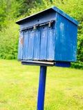 gammal blå brevlåda Fotografering för Bildbyråer