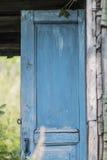 gammal blå dörr Royaltyfri Fotografi