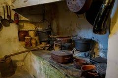 Gammal bondaktig boning i Matera, Basilicata - Italien arkivbilder