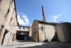 gammal borggårdfabrik Royaltyfria Bilder