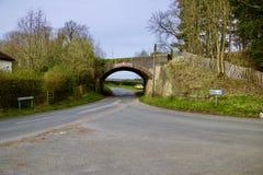 Gammal bro i Bedfordshire Royaltyfri Foto