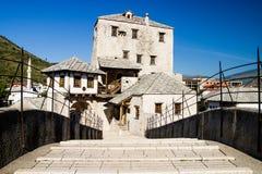 Gammal bro i den Mostar Bosnien Arkivbilder