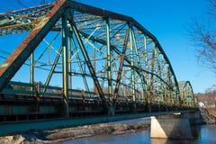 Gammal bro i Maine arkivfoto