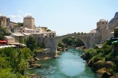 Gammal bro i Mostar Arkivfoton