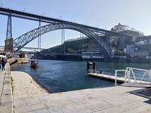 Gammal bro i Porto Royaltyfria Foton