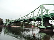 Gammal bro, Lettland royaltyfri bild