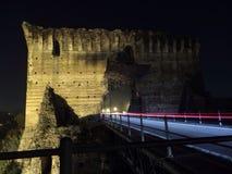 Gammal bro med ljusa spår Royaltyfria Foton