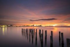Gammal bro på solnedgången Royaltyfria Bilder