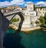 Gammal bro Stari mest i Mostar, Bosnien fotografering för bildbyråer